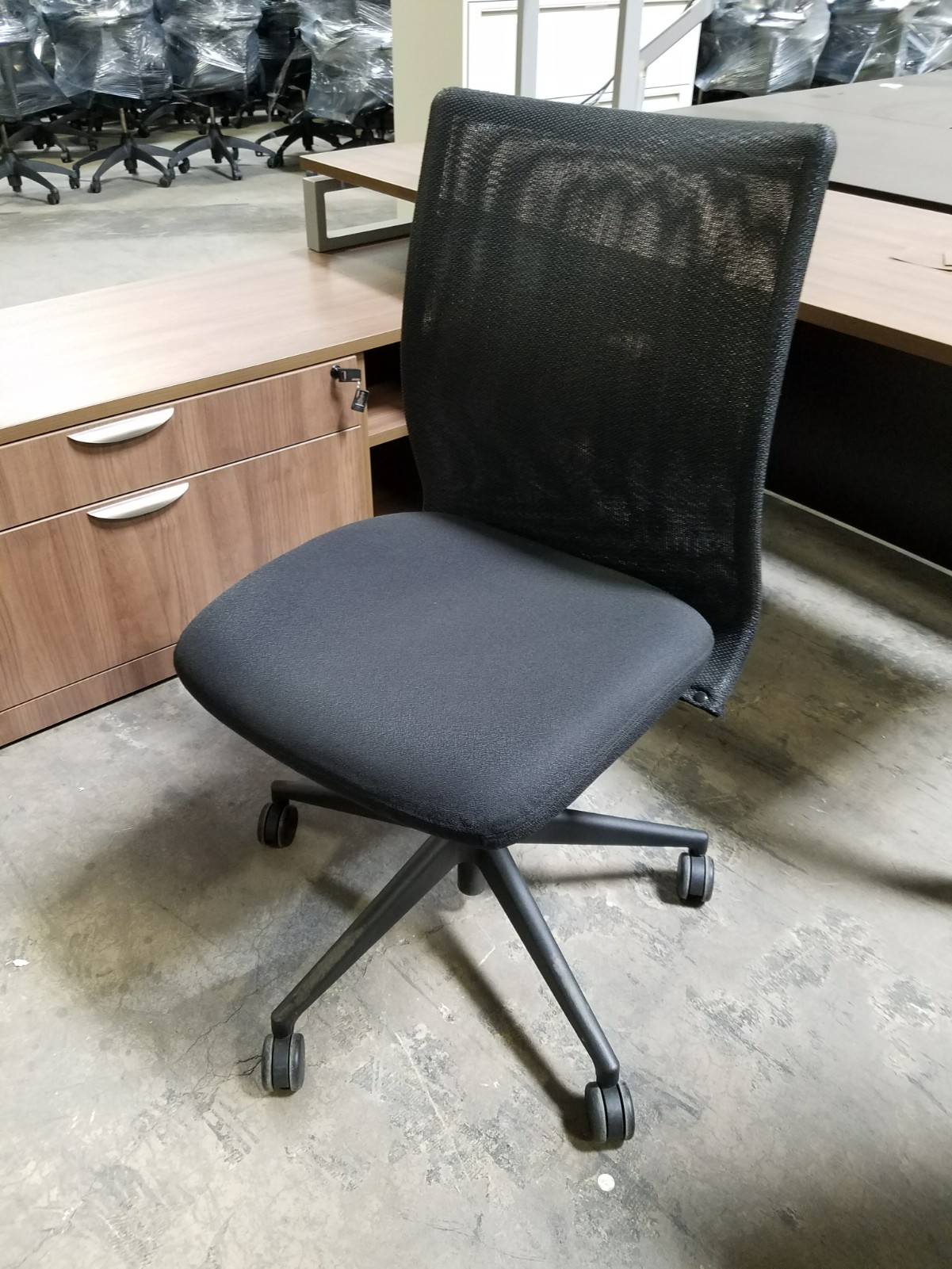 steelcase mesh back armless task chairs office furniture chicago new used refurbished. Black Bedroom Furniture Sets. Home Design Ideas